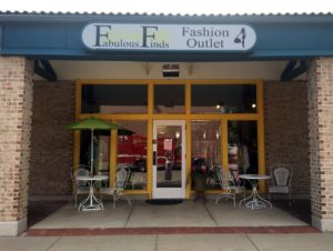 Outlet-store-front